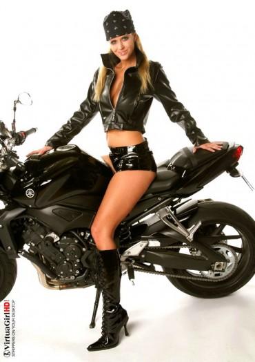 New hd stripper for u! Moto blonde.