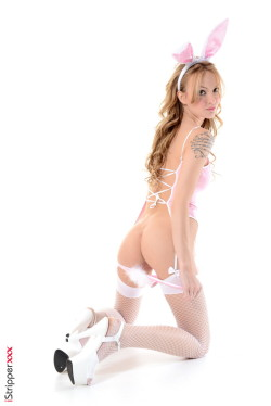Sexy Bunny - Belle Claire Blonde iStripper